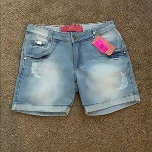 Pants - Dellus short jeans